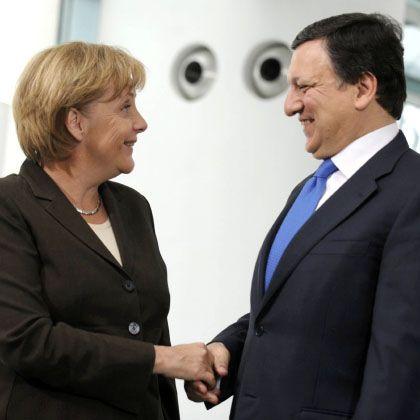 Treue Unterstützerin: Kanzlerin Angela Merkel und Barroso im Juni in Berlin