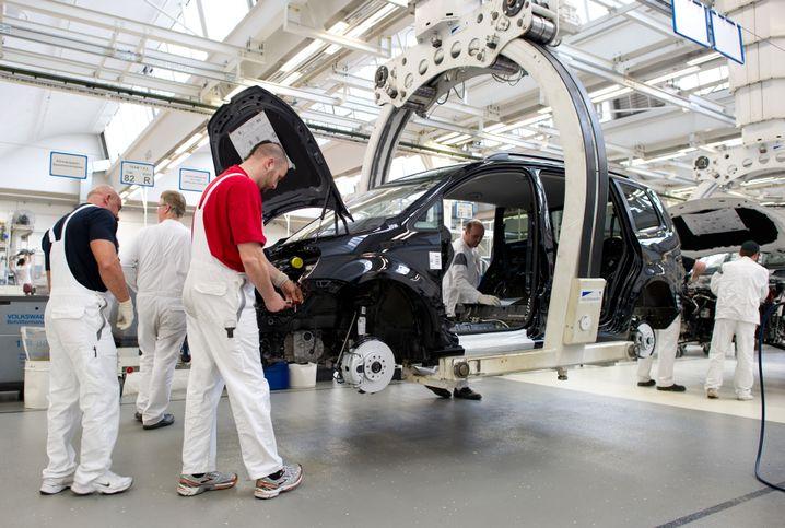 Voller Einsatz ohne Teilzeit: Arbeiter im Wolfsburger VW-Werk