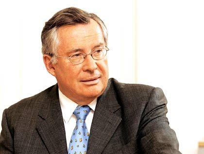 Industrieller Koehler: Der Chef des Grafitherstellers SGL Carbon hat sich aus der Umklammerung der Banken gelöst. Eine Kreditlinie über 200 Millionen Euro dient nur noch als eiserne Reserve.
