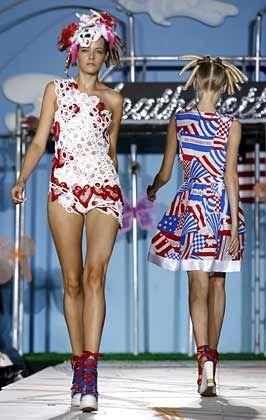 Farbspiele: Die New Yorker Fashion Week - hier Modelle von Heatherette - präsentierte sich in diesem Jahr sehr bunt und spritzig