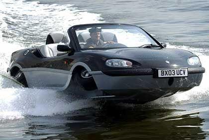 Neues Auto für James Bond? Der Aquada pflügt mit 50 Sachen durch das Wasser