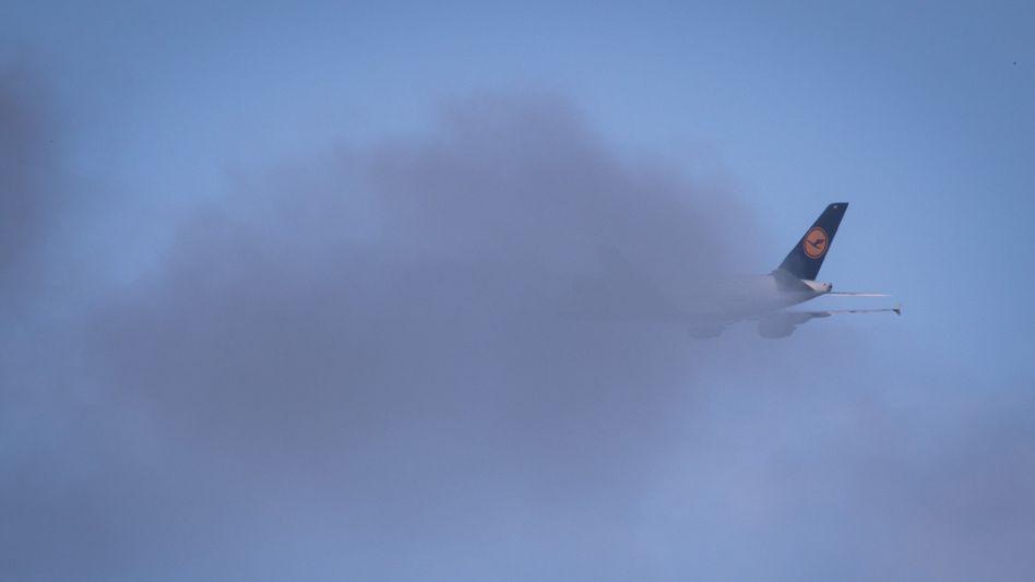 Schwieriges Wetter: Die Lufthansa wird ihr altes Gewinnziel von 1,8 Milliarden Euro wohl nicht mehr erreichen