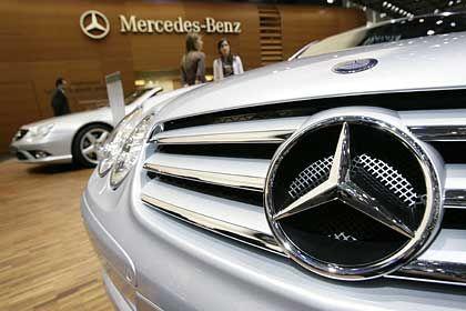 Unmut unter der Haube: Betriebsrat und Konzernmanagement bei DaimlerChrysler streiten über neue Arbeitsplätze in Prag