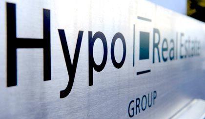 Hypo Real Estate: Am 15. Januar 2008 hatte der damalige Vorstandschef Georg Funke mit der Mitteilung über eine Abschreibung in Höhe von 390 Millionen Euro die Finanzmärkte geschockt
