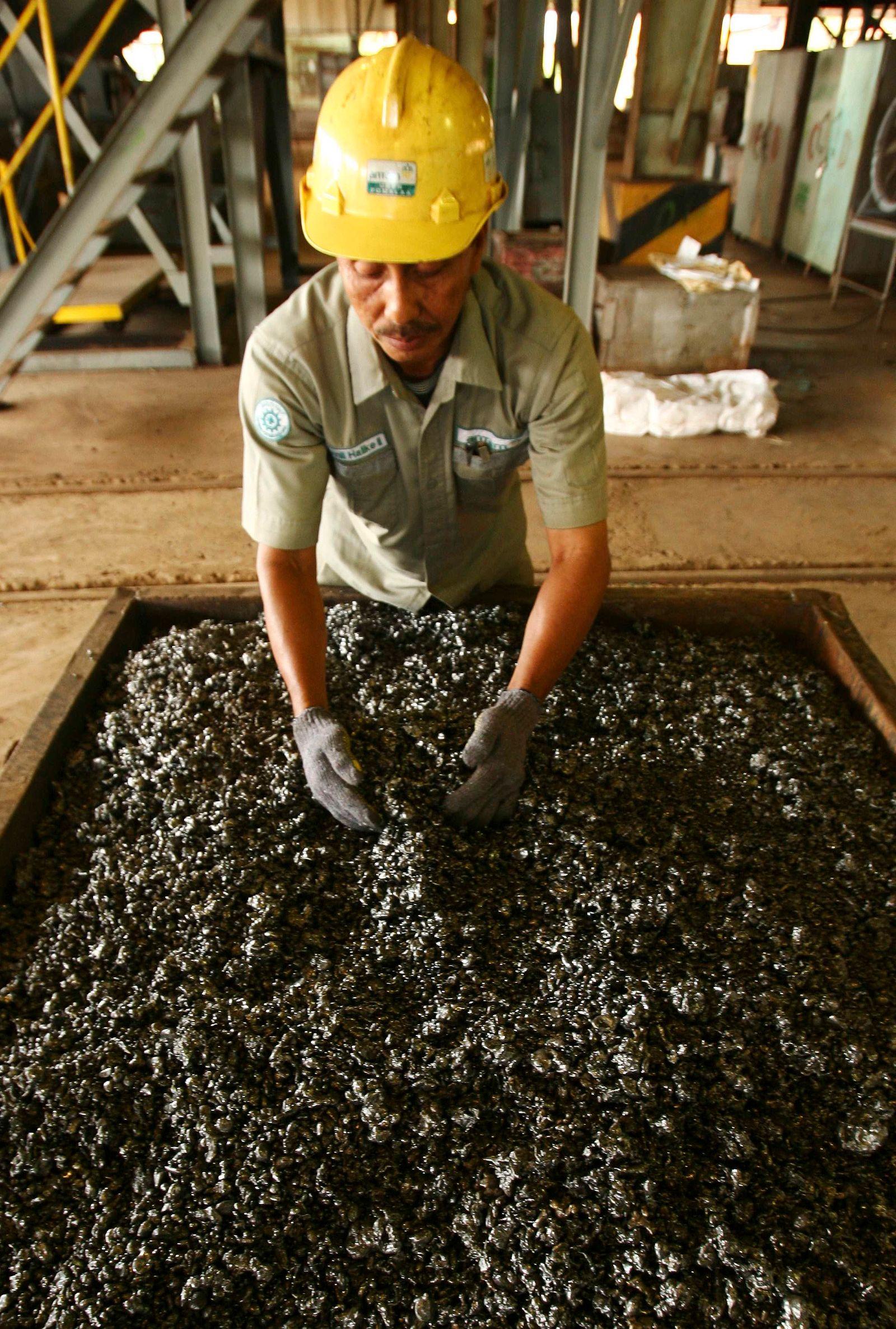 Nickel / Indonesien / Arbeiter / Rohstoffe