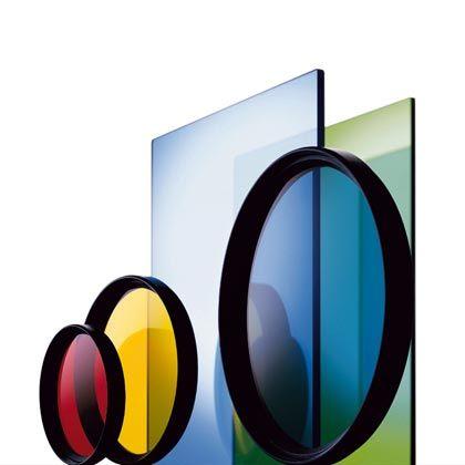 Filter können Farbe ins Spiel bringen: Auch für Besitzer von Digitalkameras sind die Vorsatzscheiben oft lohnenswert