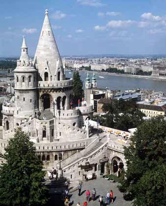 Das historische Burgviertel gehört seit 1987 zum Unesco-Weltkulturerbe: Hier finden sich Touristenmagneten wie Fischerbastei
