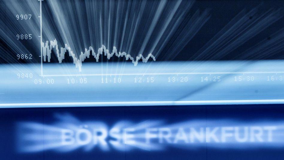 Börse in Frankfurt: Anleger haben offenbar Angst vor der Normalität. Schon die Befürchtung, die EZB könnte vom Krisenmodus in den Normalmodus zurückkehren, sorgte für einen Kursrutsch im Dax