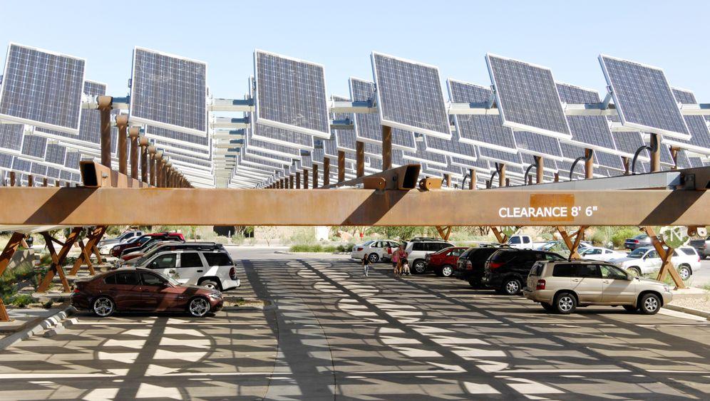 Energie-Umbruch: Wo Solar- und Windkraft Versorger weltweit ins Schwitzen bringen
