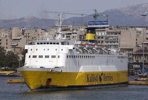Alte Sardinien-Fähre: Europas Schiffbauer machen die asiatische Konkurrenz für Überkapazitäten der Branche verantwortlich, staatliche Aufträge sollen helfen