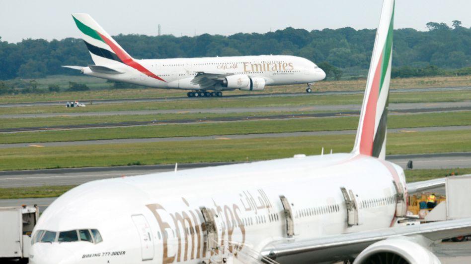 Großkunde: Emirates kauft bei Airbus und Boeing. Die Flugzeugbauer liefern sich einen Kampf um die Sitzbreite