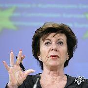 """EU-Wettbewerbskommissarin Neelie Kroes: """"Das Ergebnis des Bieterprozesses überdenken"""""""