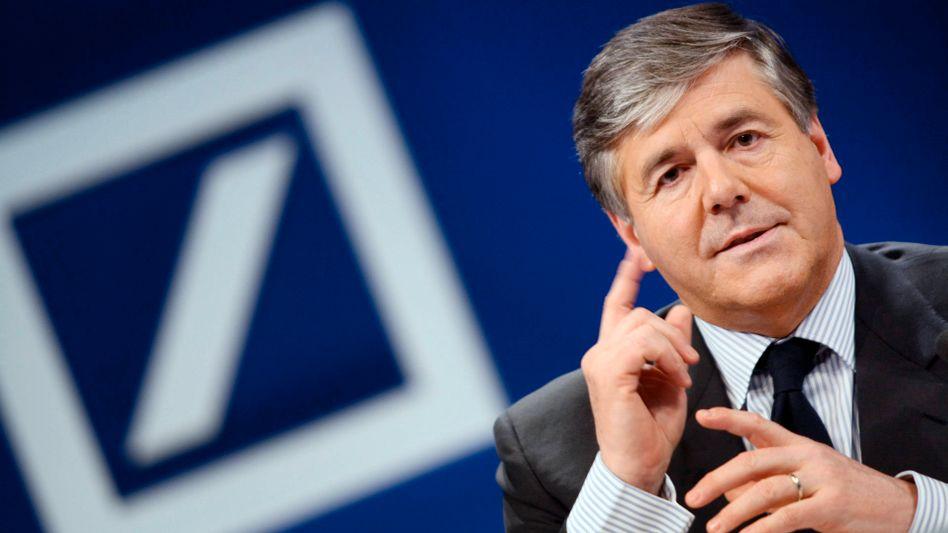 """Deutsche-Bank-Chef Ackermann: """"Nicht die Kapitalausstattung der Banken ist das Problem, sondern die Tatsache, dass Staatsanleihen ihren Status als risikofreie Aktiva verloren haben"""""""