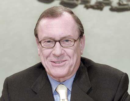 DaimlerChrysler-Chef Jürgen Schrempp und seine Vorstandskollegen verdienten im Jahr 2001 insgesamt 22 Millionen Euro