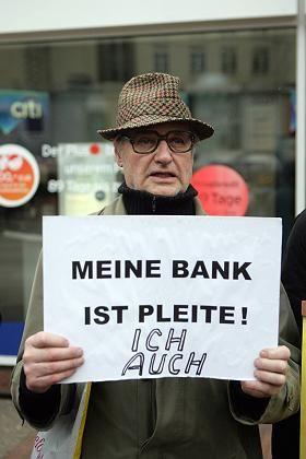 Bittere Erfahrung: Etliche Bankkunden verloren ihre private Altersvorsorge mit Zertifikaten der Pleitebank Lehman Brothers