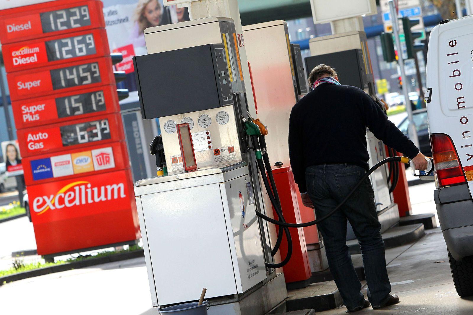 Tanstelle / Tanken / Benzinpreise