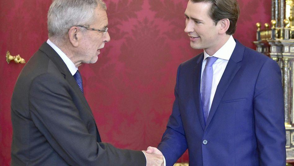 Neuwahlen im September: Österreichs Bundespräsident Van der Bellen (l.) und Kanzler Kurz.