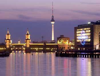 Traumstandort in der Hauptstadt: Universal Music an der Oberbaumbrücke