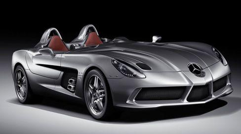 Kühne Linienführung: Der neue Mercedes SLR Stirling Moss bildet den Abschluss der aktuellen SLR Familie - nur 75 Exemplare werden ab Juni produziert. Dann endet die Fertigung des SLR Roadster