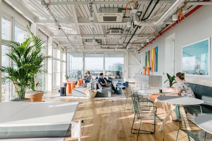 WeWork-Niederlassung in Berlin: Es sind längst nicht mehr nur Start-ups, die sich bei WeWork einbuchen
