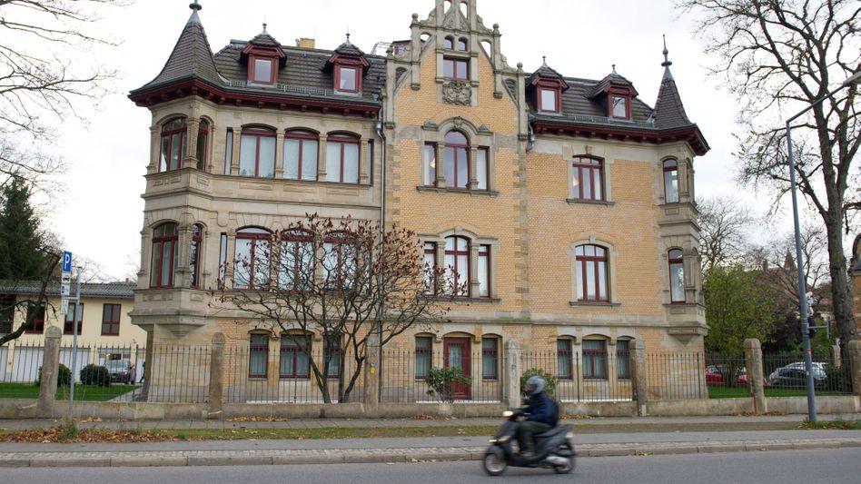 Tatort Dresden: In dieser Villa in der sächsischen Hauptstadt residierte die Infinus-Gruppe.