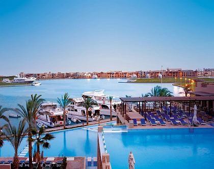 """Promenade: An der neuen """"Corniche"""" in Port Ghalib sollen zahlreiche Club, Cafés und mehr als 200 Geschäfte Kurzweil bieten"""
