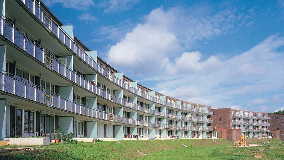 Wohnsiedlung in Hamburg: Wohnraum in Großstädten - das gilt erst recht für Neubauten - können die meisten Menschen nicht bezahlen