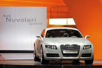 """""""In den Fahrzeugen von morgen werden 90 Prozent aller Innovationen von Elektronik geprägt sein"""" Die Audi-Studie Nuvolari quattro ist mit computergesteuerten LED-Scheinwerfern ausgestattet"""