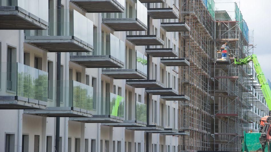 Wohnungskauf: Firmen umgehen im Gegensatz zum privaten Käufer mit einem Trick ganz oft die Grunderwerbsteuer
