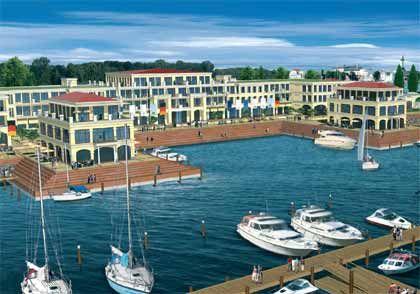 Yachthafen: 750 Liegeplätze direkt vor dem Hotel