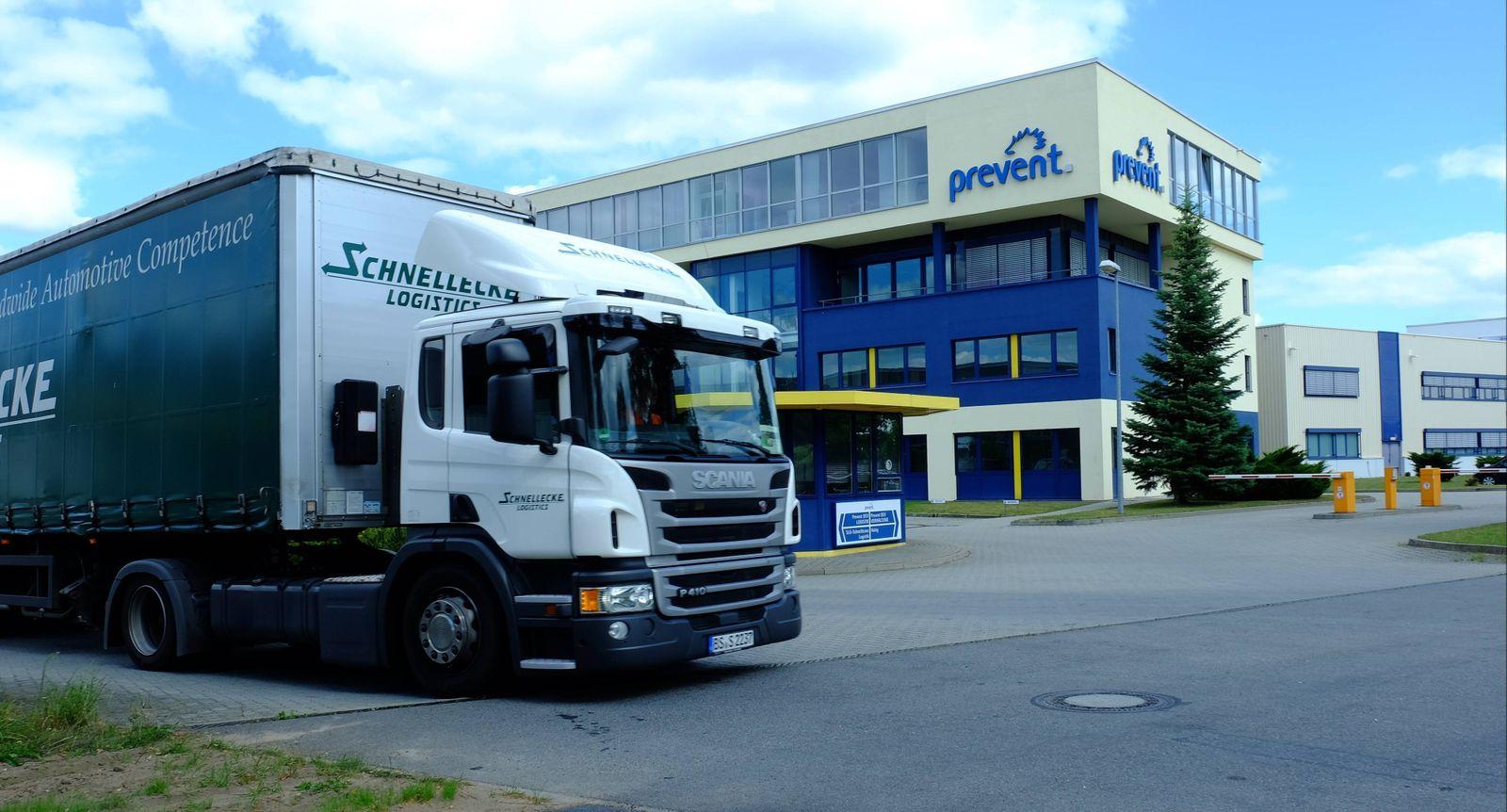 Wolfsburg Niedersachsen Firma Prevent in Warmenau (Gewerbegebiet) bei Wolfsburg. Bild zeigt: Symbolfoto des VW-Zulifere
