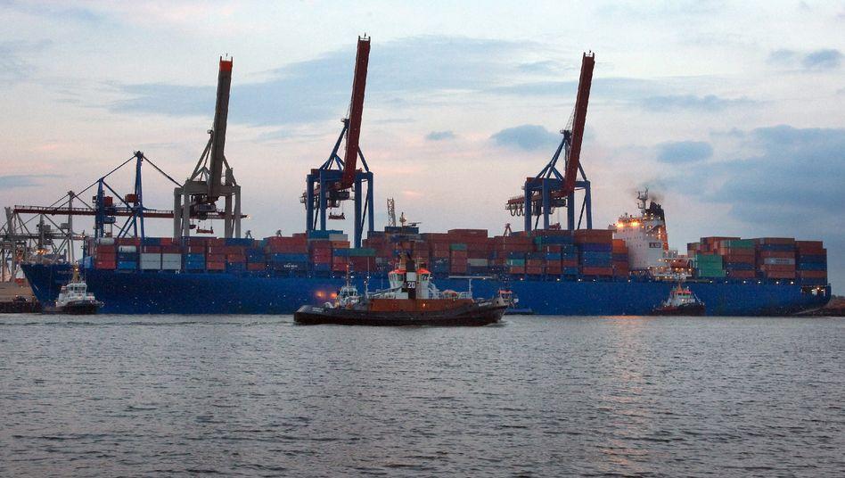 Containerschiff im Hamburger Hafen: Die Wirtschaft befindet sich wieder im Aufschwung.