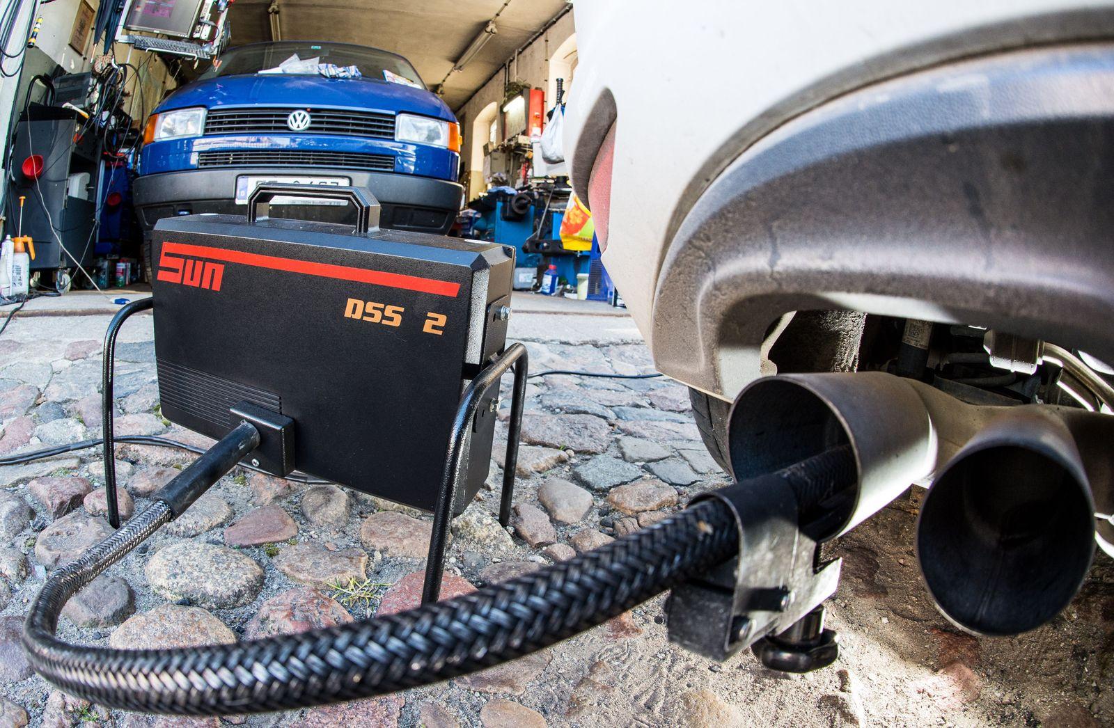 Abgasuntersuchung bei Dieselfahrzeug