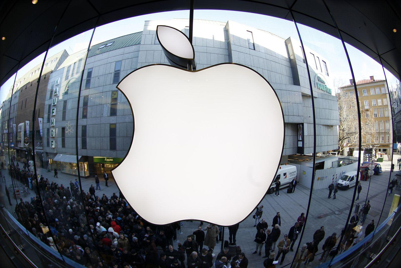 Apple-Logo vor Laden in München