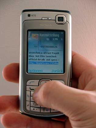 Soll künftig schneller gehen: In Dresden arbeiten Wissenschaftler derzeit an einer neuen SMS-Tipphilfe