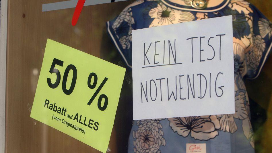 Ausverkauf: Modegeschäft im hessischen Bad Nauheim