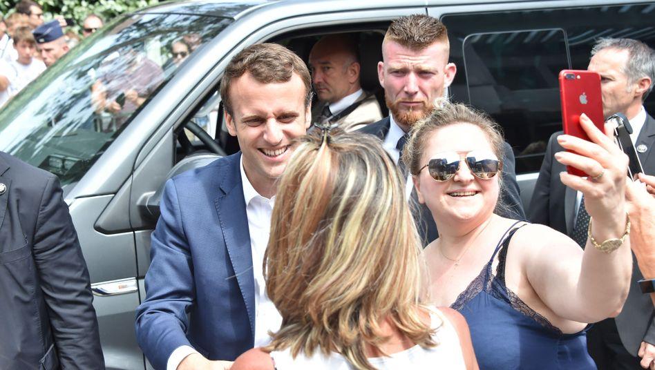 Sieger im ersten Wahlgang der Parlamentswahlen: Frankreichs Präsident Macron kann sich in der Nationalversammlung künftig vermutlich auf eine komfortable Mehrheit stützen
