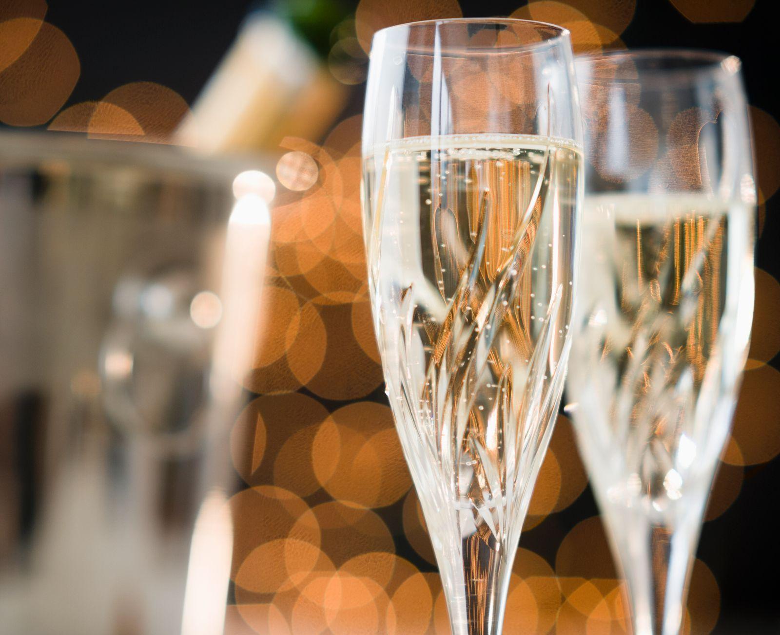 NICHT MEHR VERWENDEN! - Champagner / Glas / Festlichkeit