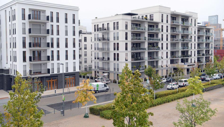 Wohnungen in Frankfurt: Bundesweit halten sich die Wohnungspreise und -mieten in der Corona-Krise bislang recht stabil.
