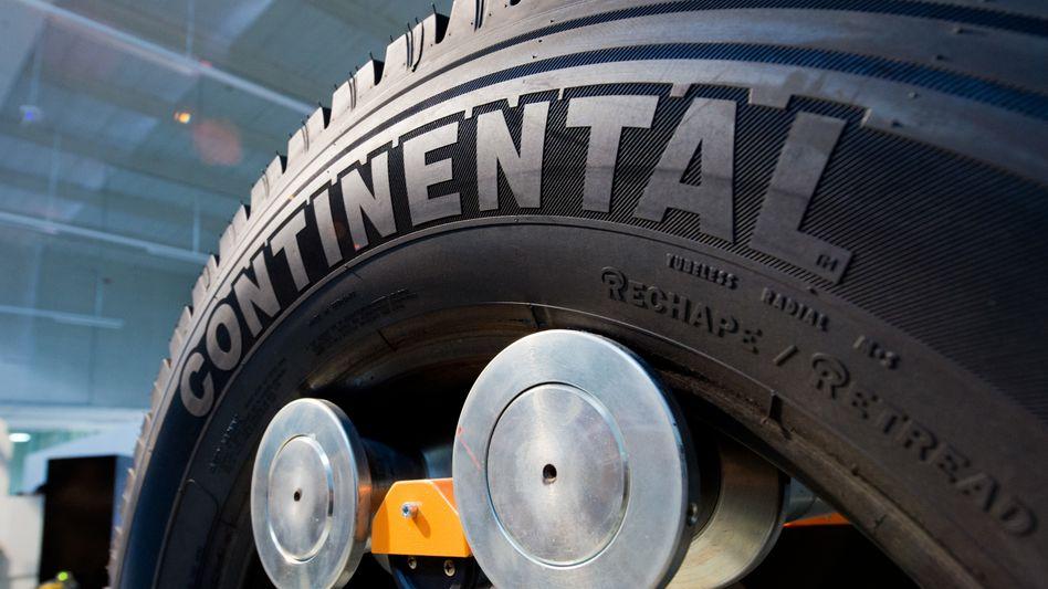 Continental-Reifen im Werk des Unternehmens in Hannover (Archivaufnahme)