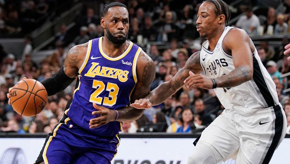 Das Milliardenspektakel NBA und seine Stars (hier LeBron James (l.) von den Los Angeles Lakers) lockt jetzt auch die französische Luxusmarke Louis Vuitton