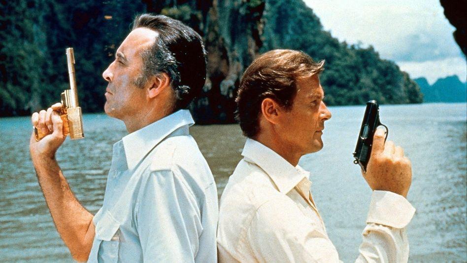 """Mit dem Rücken zur Wand: Colt ist hoch verschuldet und sieht sich nach Käufern um. Im James-Bond-Film """"Der Mann mit dem goldenen Colt"""" nahm die Waffe noch eine zentrale Rolle ein"""
