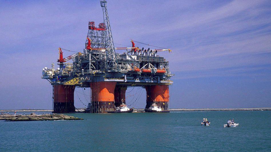 Eine Bohrinsel von British Petroleum (BP) im Golf von Mexiko. Ab Juli darf BP wieder bohren