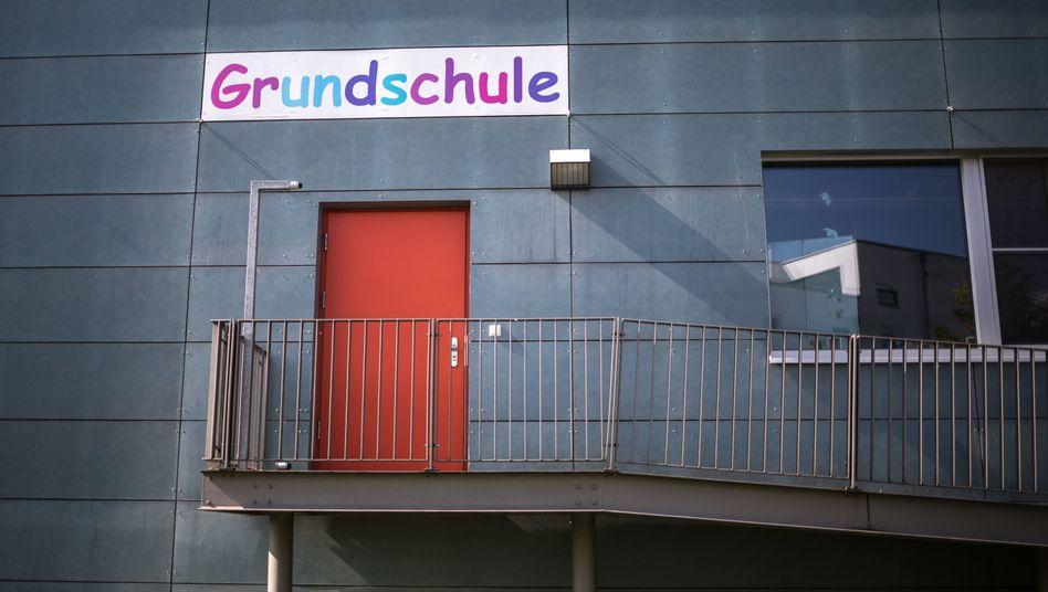 Schulpflicht für Viertklässler in Hessen wird in der Corona-Pandemie vorläufig außer Kraft gesetzt