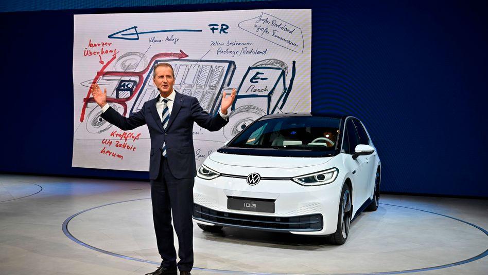 VW-Chef Herbert Diess, Elektroauto ID.3 auf der IAA: Es geht auch alles eine Nummer kleiner