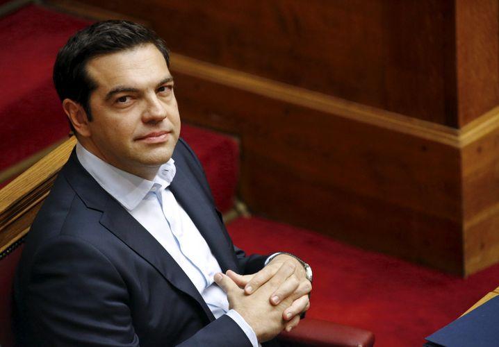 Ist die Abstimmung rechtens, was heute das Oberste Verwaltungsgericht Griechenlands entscheidet, wird das Referendum am Sonntag in Griechenland stattfinden. Premier Tsipras hatte die Volksbefragung angekündigt. Scheitert er, müsste der Regierungschef eigentlich seinen Hut nehmen