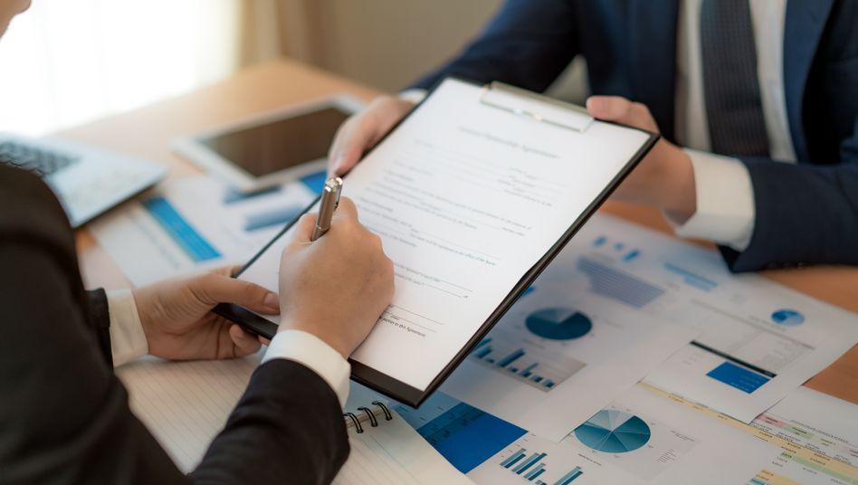 Vor Unterzeichnung genau hinsehen: Aktienoptionen können ein interessanter Teil der Vergütung sein – wenn die Verträge passen