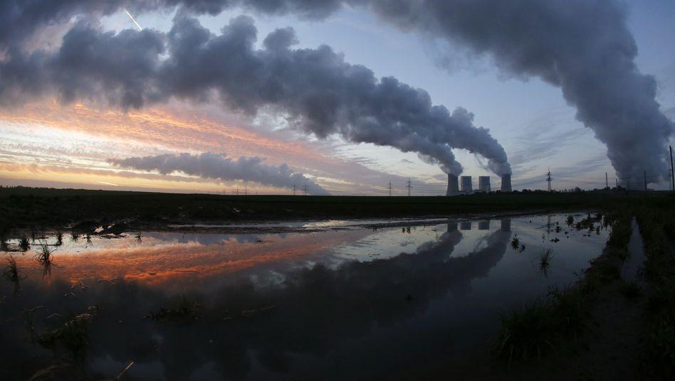 RWE-Kraftwerk bei Neurath: Der Staatsfonds hatte den Versorger zuletzt gedrängt, aus der Kohle auszusteigen