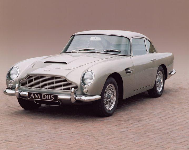"""Legendärer Aston Martin DB5, mit dem James Bond im Film """"Goldfinger"""" unterwegs war"""
