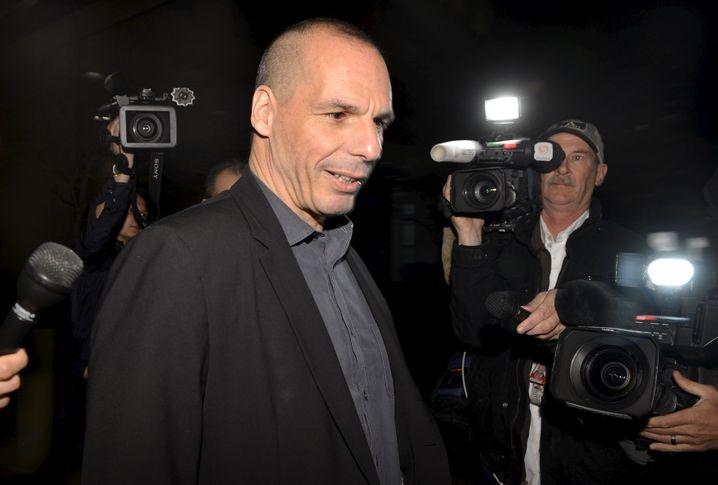 """""""Komplette Lügen"""": Griechenlands Finanzminister Giannis Varoufakis dementiert, das Land habe den IWF um einen Zahlungsaufschub gebeten"""